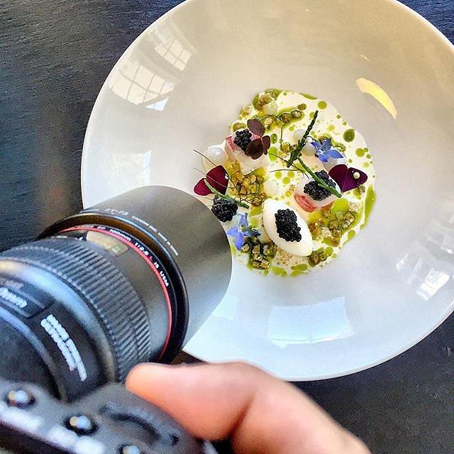Bruger dagen på Molskroen og skyder lækkert mad fra Lasse Paulsen og Michaud  #raisfoto #Molskroen #foodie #foodphotography #lovemyjob #food #summer