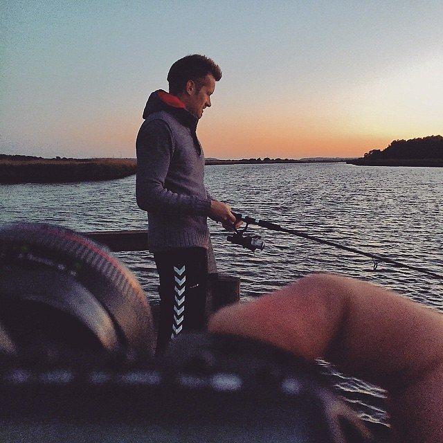 Skyder solnedgang endnu engang  #Raisfoto #naturparkrandersfjord #gudenåen #viovernatter