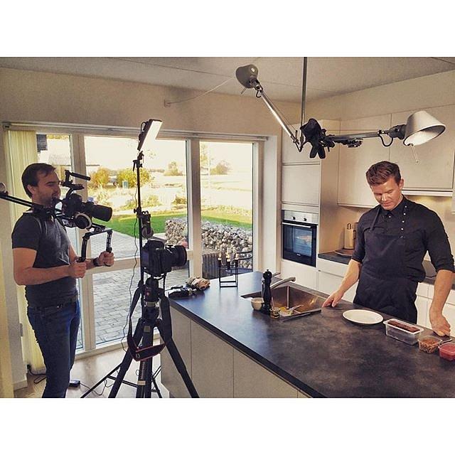"""Shooting """"how to"""" video of @slapaf and @koedaarhus new years takeaway menu"""